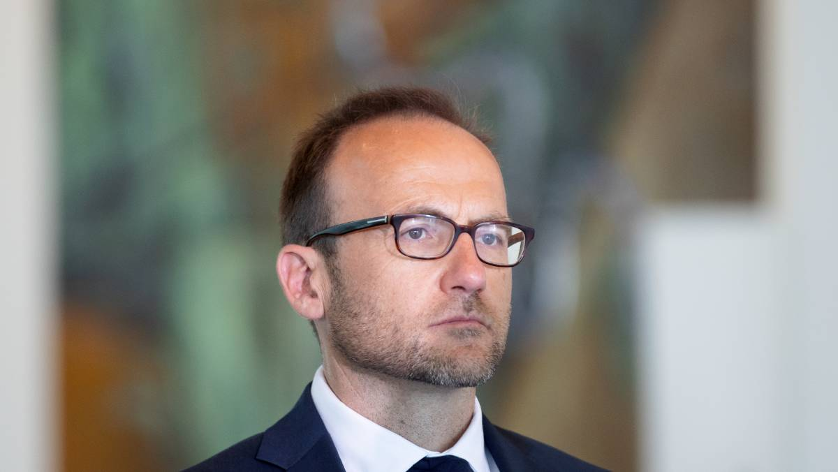 Federal Greens leader Adam Bandt has called on large companies that reported profits to pay back JobKeeper subsidies to the government. Picture: Sitthixay Ditthavong